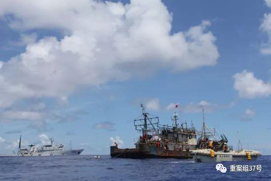 ▲被中国渔政船拖带回港时,船上只剩11名船员。
