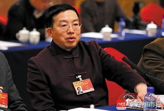 天下政协委员、中华天下状师协会副会长朱征夫。