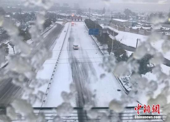 资料图:南京强降雪。 泱波 摄