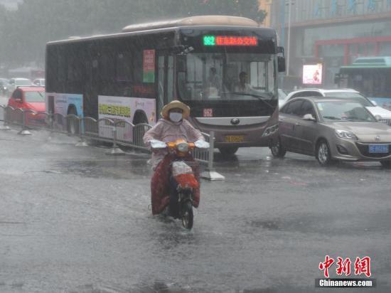 强对流天气蓝色预警:贵州湖南等地区有雷暴大风