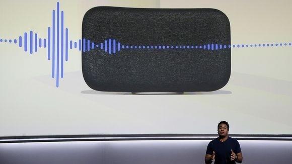 谷歌产品经理Rishi Chandra在Google Home Max发布会上