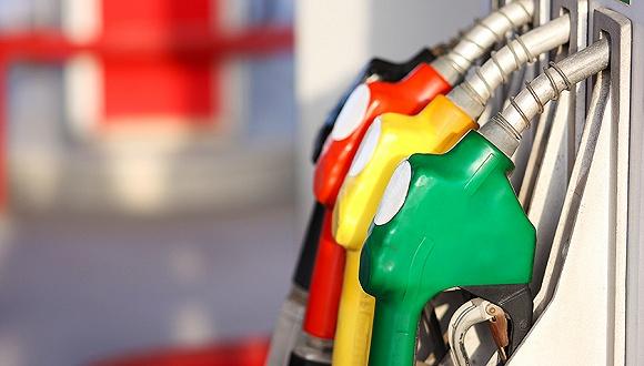 国内成品油价迎来两连涨 汽油一月累涨