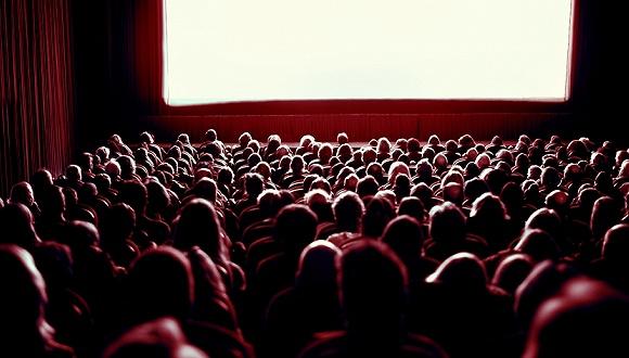 春节电影票房超50亿元 哪些A股上市公司能分一杯羹?