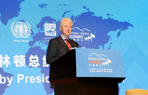 2013年克林顿在中国广州出席一场经济活动