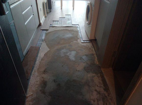 新光大中心曝精装房质量问题:房屋渗水 墙面开裂