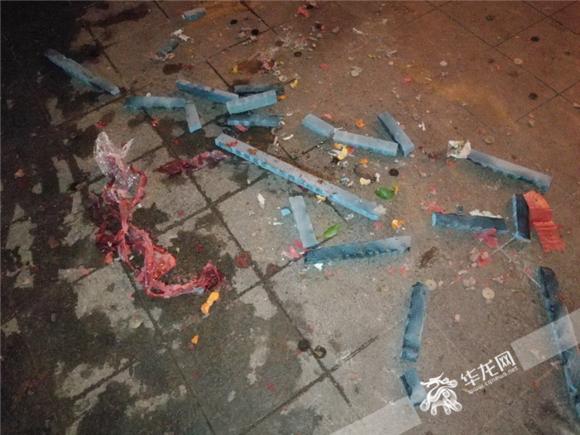 市民爆料:男子不听劝告燃放烟花 重庆九龙坡一居民小区发生火灾