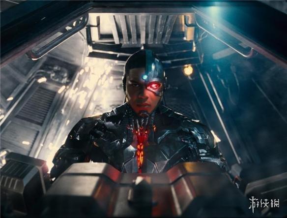 """《正义联盟》未来将有""""钢骨""""电影 主要讲起源故事!"""