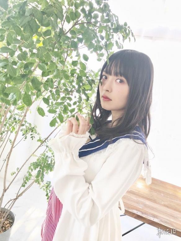 日本美女声优上坂堇最新写真 水手服短裙稚嫩可爱!