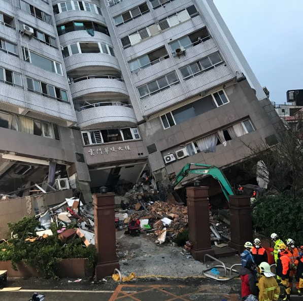 台湾地震中陆客遇难者升至4人 仍有一家五口失联