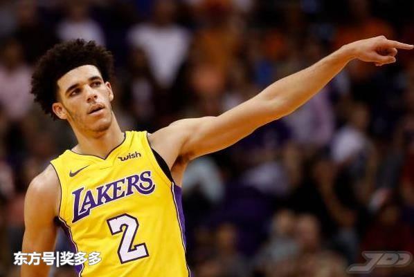 篮球早报 杜兰特取代哈登领跑MVP榜 骑士主帅透露罗斯将复出