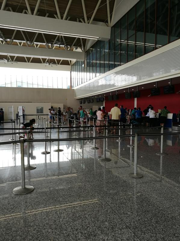 中国援建萨摩亚机场离境大厅