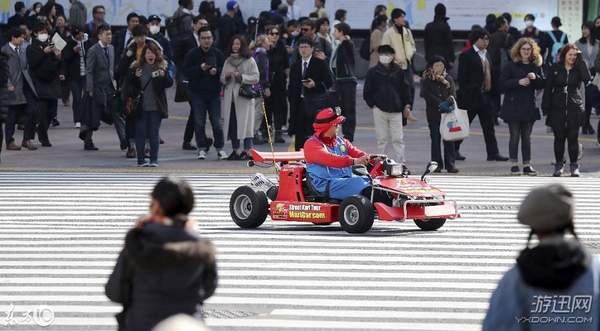 """日本惊现""""马里奥赛车"""" 最高时速56公里,还要许可证"""