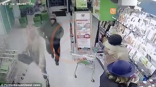 视频|俄圣彼得堡超市爆炸案嫌犯监控曝光:背着包进去,出来包没了随后发生爆炸