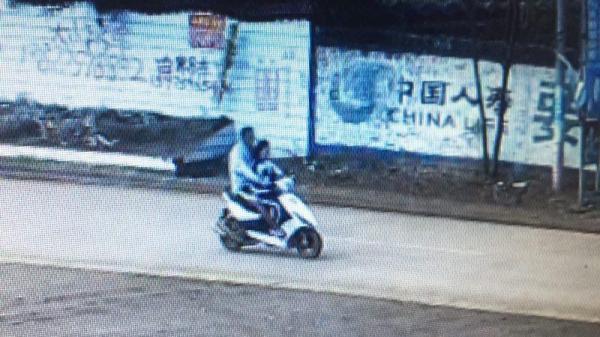 广东湛江男子杀死亲叔挟持初二女生逃跑,嫌犯被抓女生