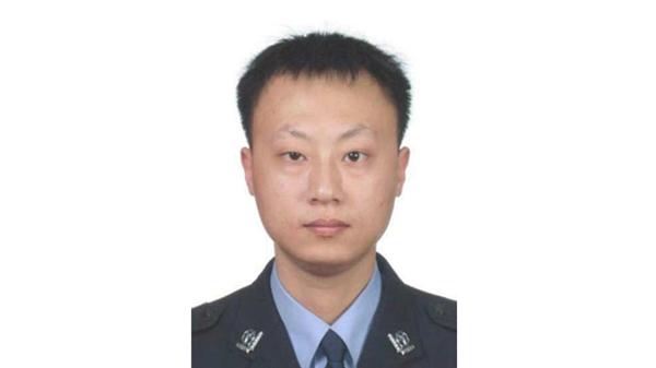 公安部发唁电:哀悼大年初三牺牲的重庆民警杨雪峰
