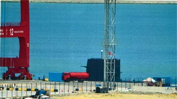 ▲资料图片:2014年9月,中国潜艇出现在斯里兰卡科伦坡港口。