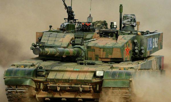 资料图片:网络上流传的中国陆军99A2主战坦克图片。(图片来源于网络)