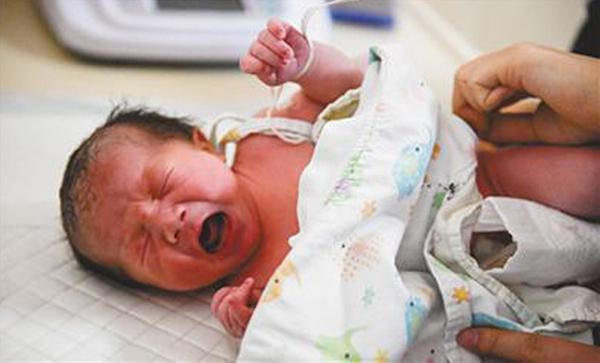 全球首例干细胞复合胶原支架治疗卵巢早衰临床研究诞生的婴儿