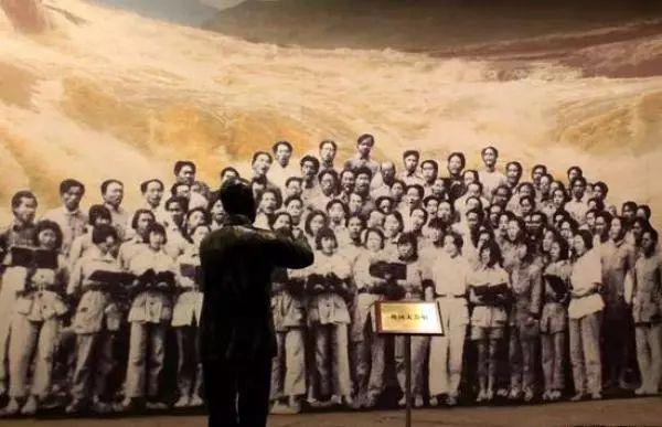 《黄河大合唱》雕塑