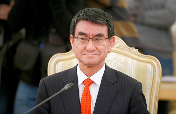 """日本外相或将携""""重大使命""""首次访华"""