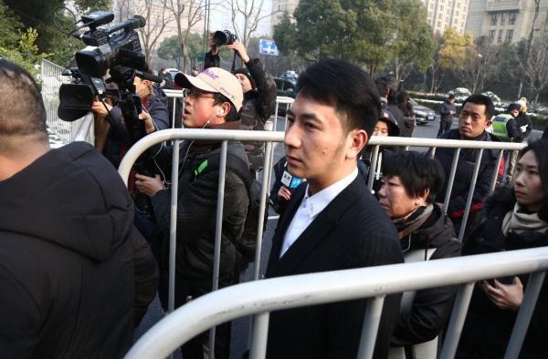 2月1日上午8时,林生斌到达杭州中院。东方IC 图