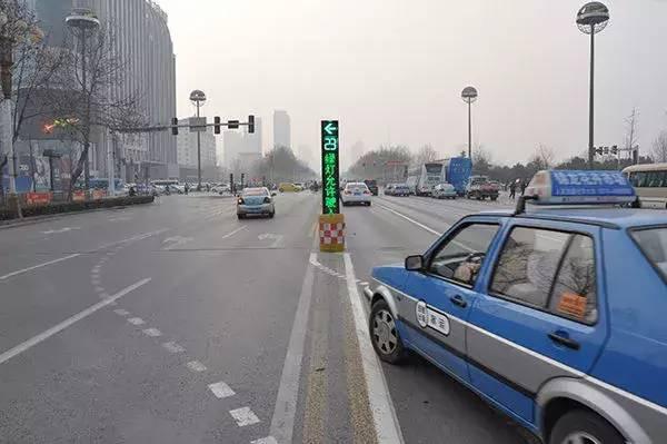 新型交通灯出台,走错两次12分就没了!
