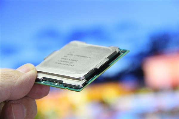 Intel:今年末将发布完全不受漏洞门影响的CPU新品