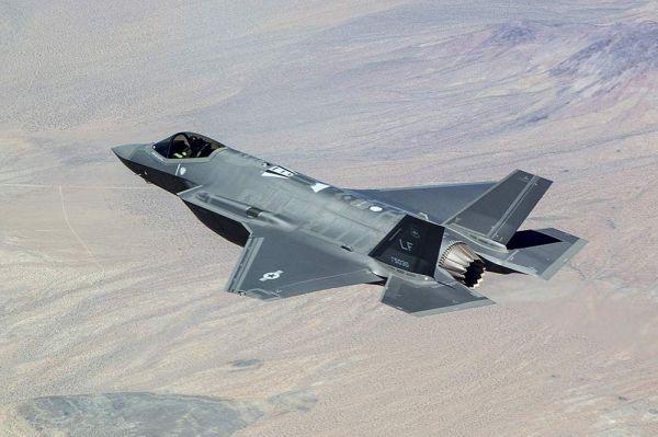 图为美军F-35战斗机