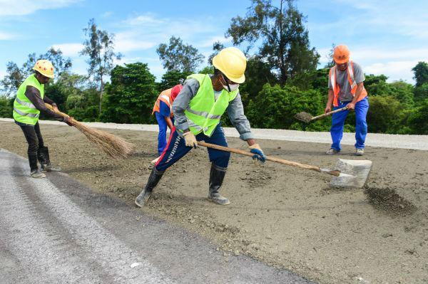 中国建设者助东帝汶经济腾飞 有工人在此过仨春节