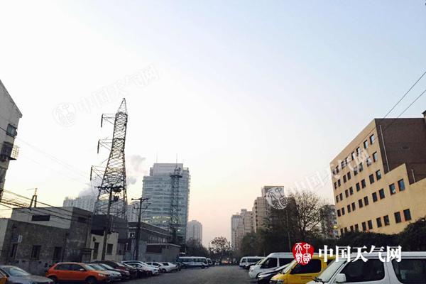 北京今天能见度较差明将好转 冷空气再袭周一最高温3℃