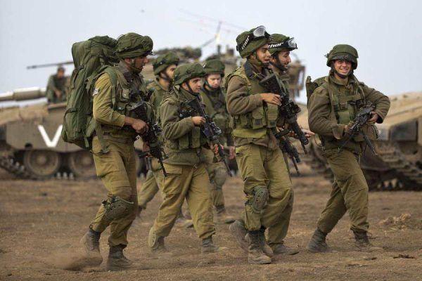 图为以色列国防军士兵
