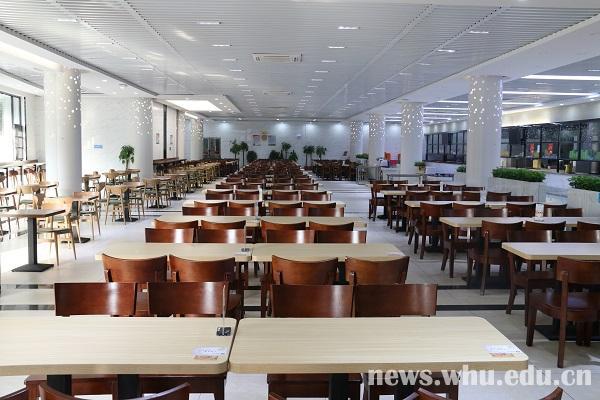学生食堂变身时尚餐厅