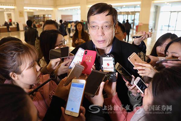 刘世锦:保持6.3%增速就能实现2020全面建成小康社会