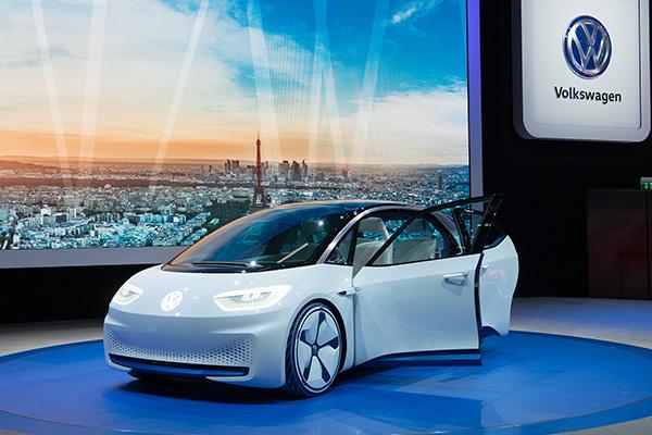 大众CEO:到2025年,大众电动车年产量将达300万辆