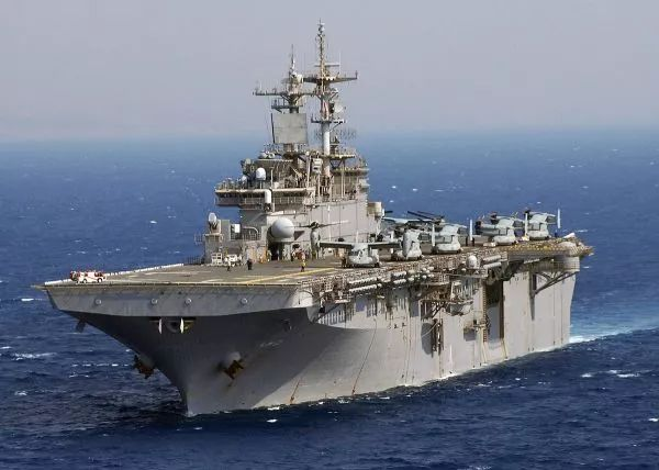 """▲资料图片:美海军已于1月14日将""""黄蜂""""号(LHD-1)两栖攻击舰部署到日本佐世保。(图片来源于网络)"""
