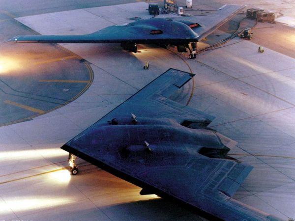 图为美国空军B-2策略轰炸机
