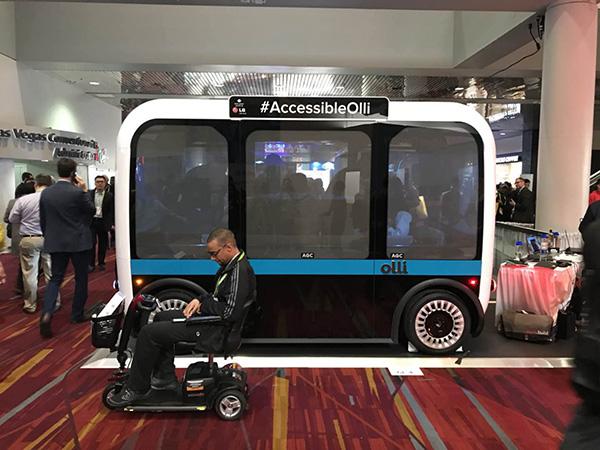 CES直击|3D打印无人车可主动放出供轮椅使用的坡道