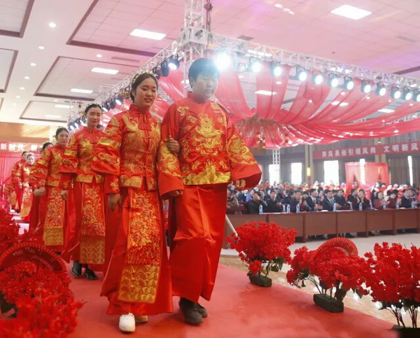 河北邯郸举办110对新人零彩礼婚礼,官方:以后