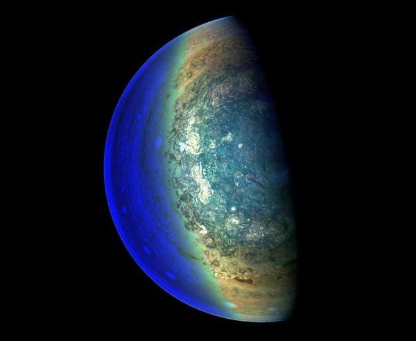 在NASA朱诺号拍摄的图像 木星看起来非常像地球