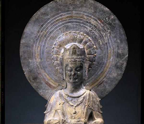 美秀美术馆在展的《东魏·蝉冠菩萨立像》(图片来自于官网)