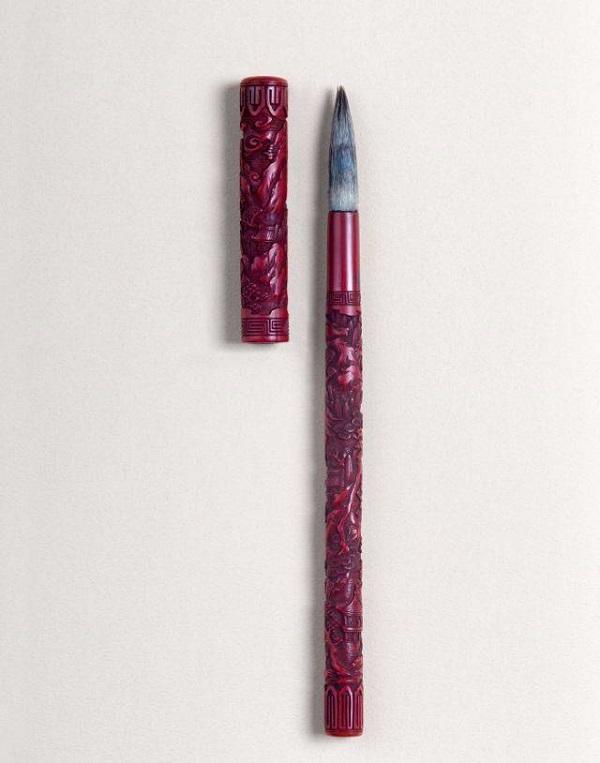 剔红山水图毛笔