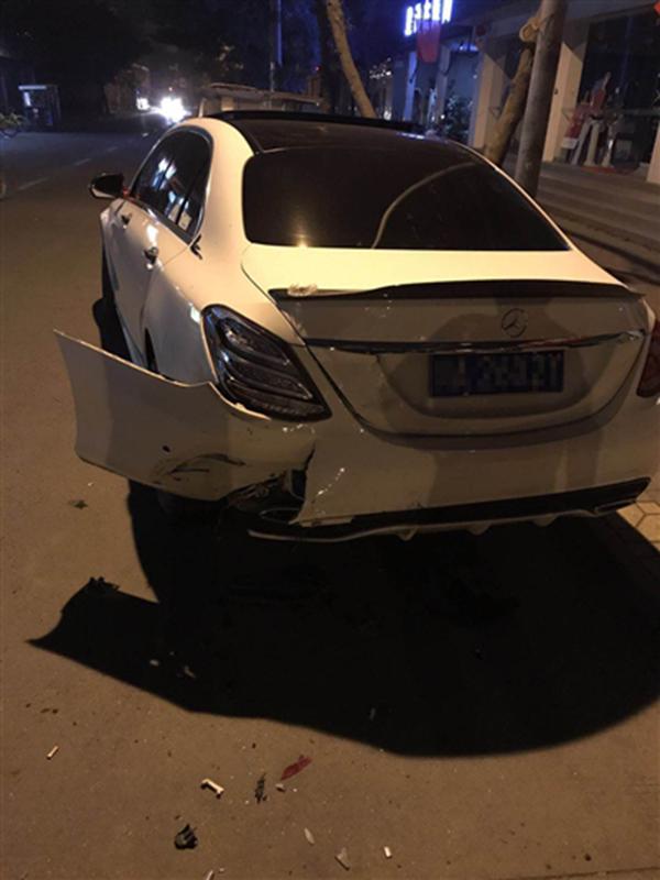 Gofun共享汽车撞奔驰后司机失联 平台称最多赔5万