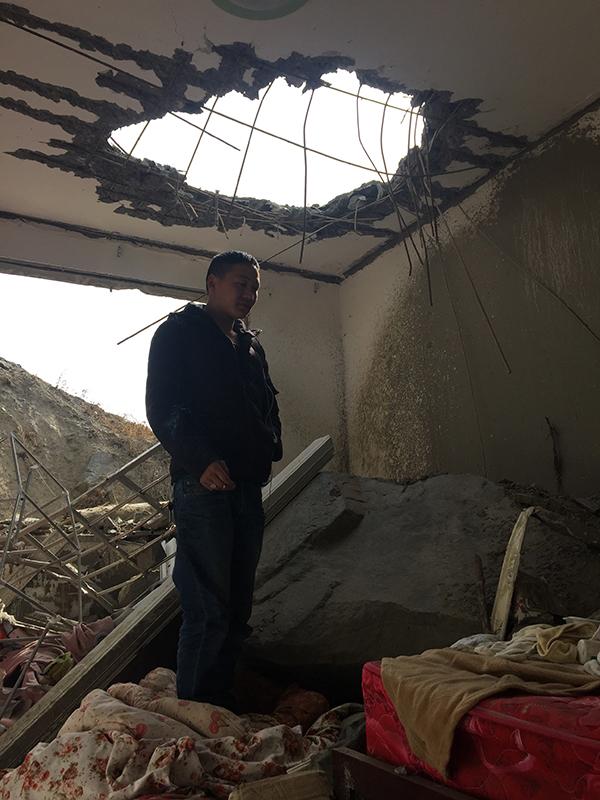 101客房的屋顶至今留下一个大窟窿。
