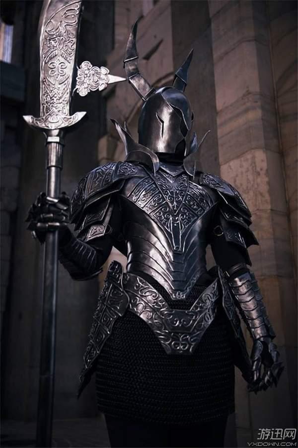 《黑魂3》法兰不死队&黑骑士惊艳COS漆黑战龙舟翻了什么意思图片