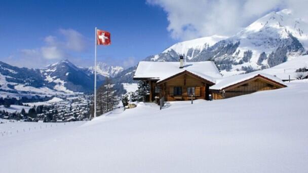 瑞士阿尔卑斯山上周末发生3起雪崩事件 致3死4伤