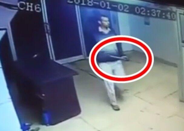 澳门永利:印度一退役军人街上大开杀戒:铁棒殴无辜途人致6死
