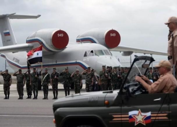 安-72运输机
