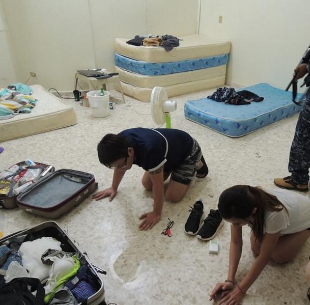 台湾诈骗集团成员被逮捕。(图片来源:台湾《联合报》)