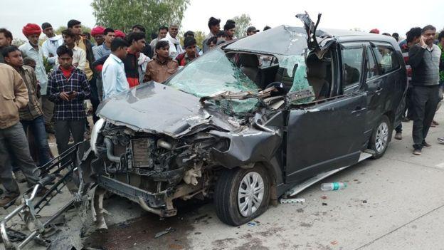莫迪多年未联系的妻子遭遇严重车祸 同行亲友身亡