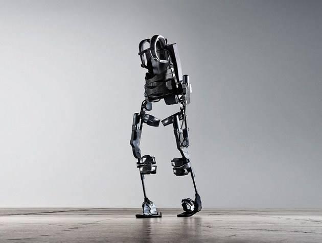 当快递小哥需要搬运重物时,腰部和手臂上的机械外骨骼可以让他们轻松图片